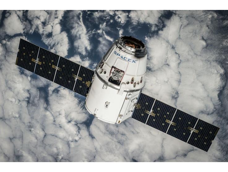В чем преимущества использования солнечных батарей в космосе